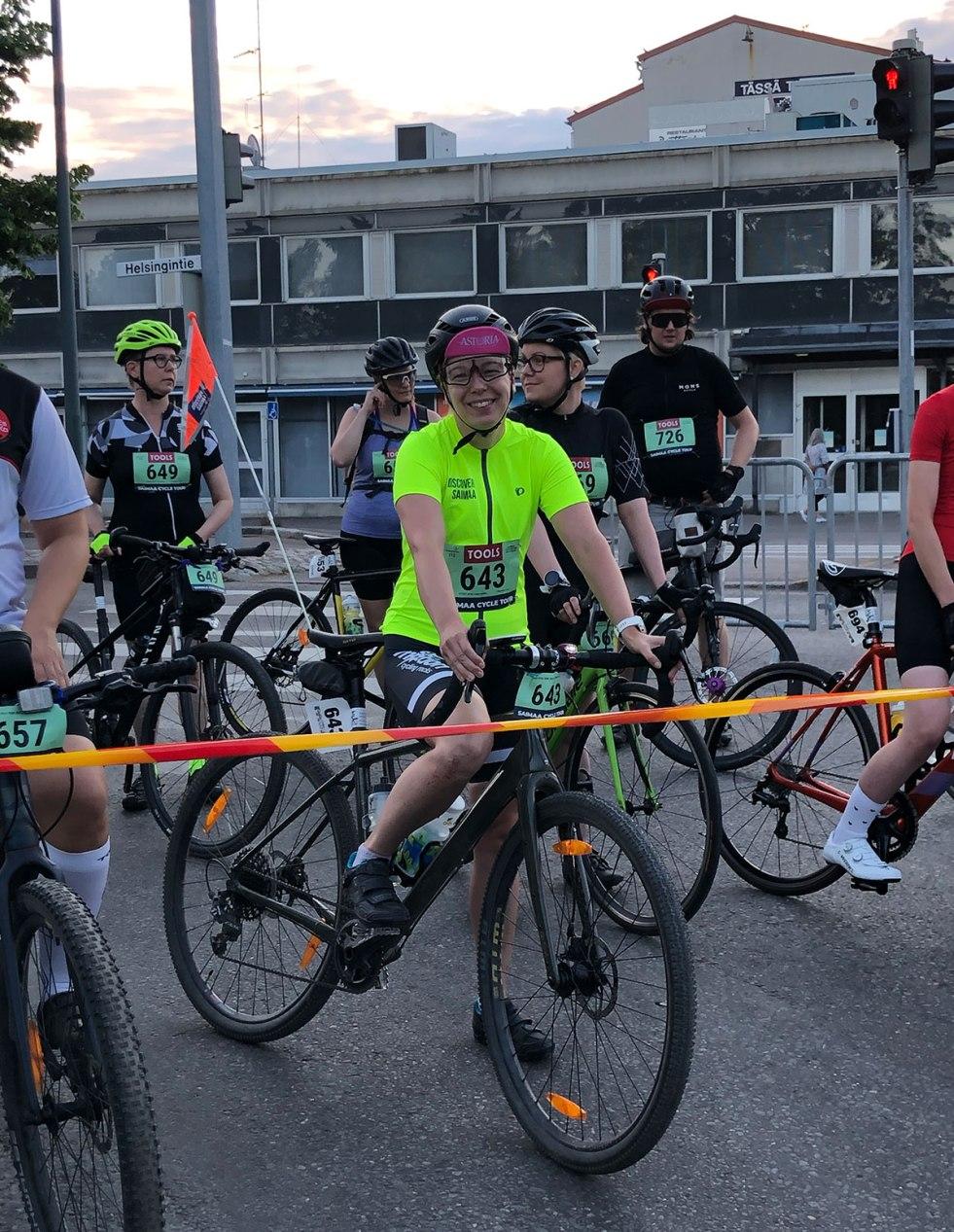 Discover Saimaan jänis lähdössä Saimaa Cycle Tourille.